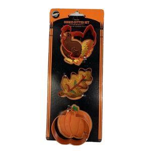 Wilton Harvest Cookie Cutter Set 3 Turkey Leaf Pumpkin shapes